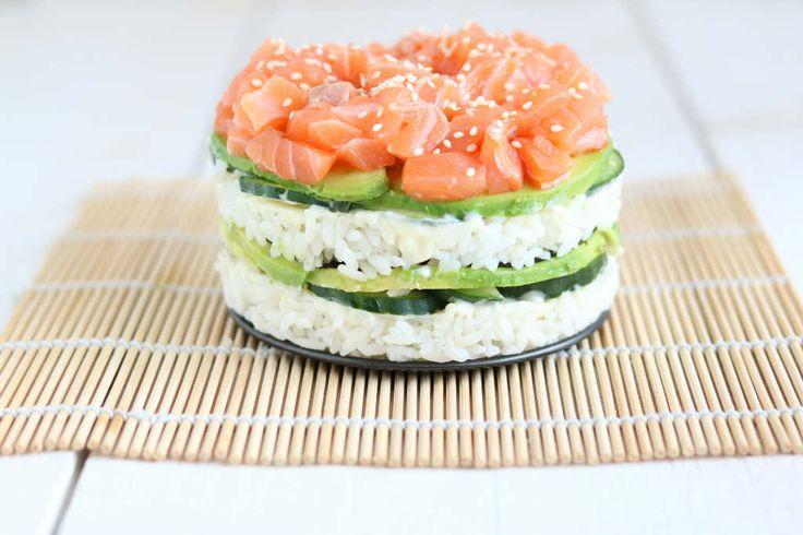 Sushi taart. Het ziet er spectaculair uit en is makkelijk om te maken. #sushi #sushipie
