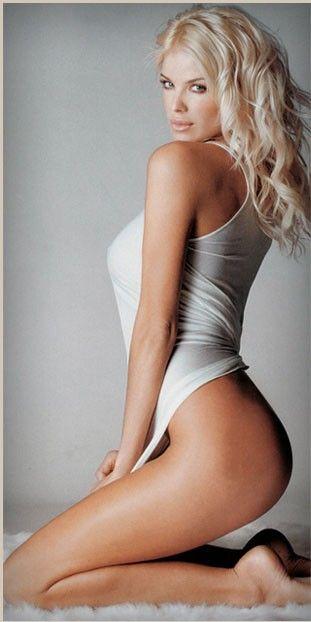 Hot Blonde Model Porno 48