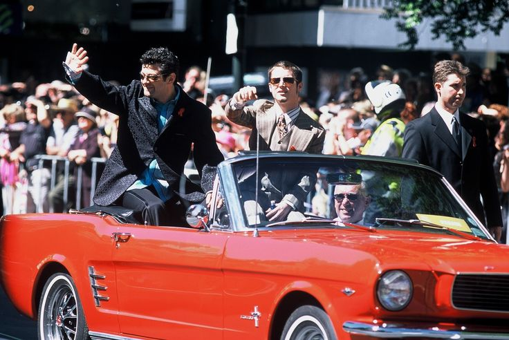 Andy Serkis (Gollum) and Elijah Wood (Frodo) Lord of the Rings Parade, Wellington, NZ - copyright www.belindabrownphotography.co.nz