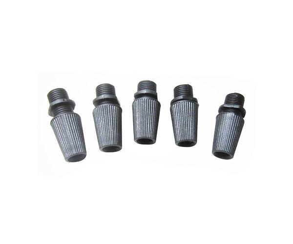 plastový zámok na odľahčenie kábla zámok na vodič (kábel) čierna farba kvalitný plast  Plastové zámky sa používajú ako súčasť objímky. Slúžia ako zámok na odľahčenie záťaže kábla (vodiča). Pre bezpečné zostrojenie svietidla na mieru doporučujeme použiť ku každej objímke aj dotyčný plastový zámok, inak môže dôjsť k odtrhnutia vodiča od objímky svietidla.