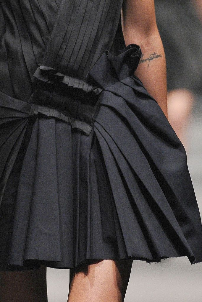 Lanvin Fall 2010 Ready-to-Wear - Details - Gallery - Style.com