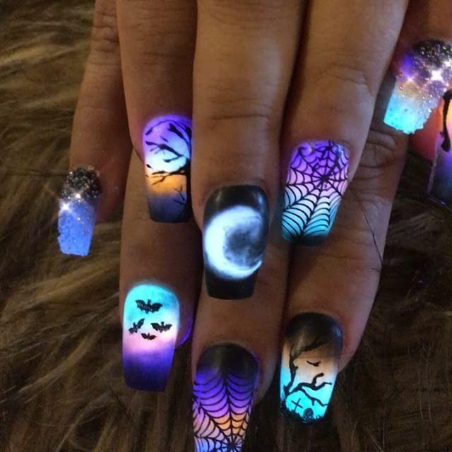 #glowinthedarknails #nails #nailsofeday #nailart #nailsofinstagram    – Hairstyl…