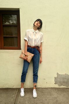 white white H&M blouse - blue mom jeans Topshop jeans