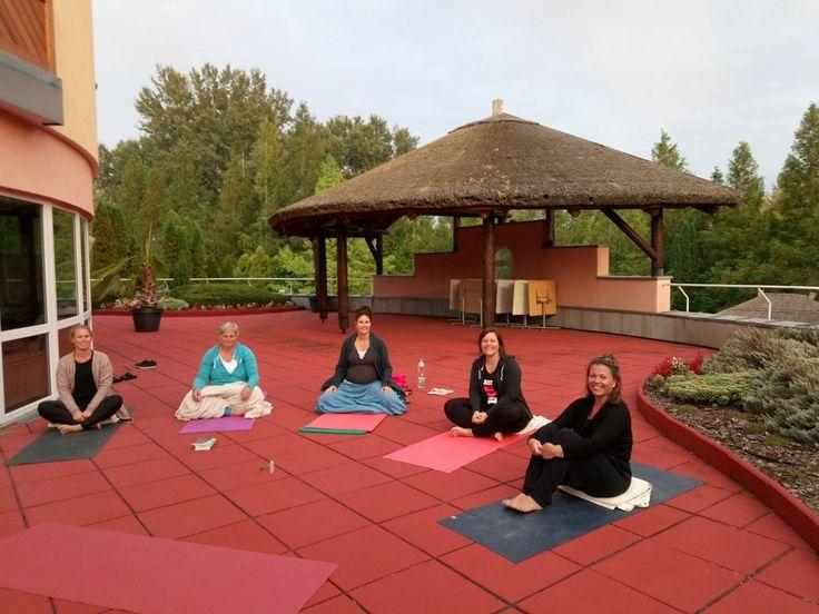 Luksus Yoga & Spa Retreat Ved Verdens Største Termiske Sø, Héviz i Ungarn Vælg imellem 7 datoer i 2018  Denne forlængede weekend står på selvforkælelse med wellness -og Ayurvediske behandlinger. Fordybelse gennem Emotional Yoga som et powerfuldt værktøj til egen terapi og mindfulness.