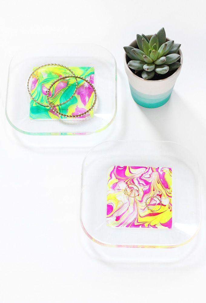 DIY HOME | Neon Marbled Jewelry Tray | I SPY DIY