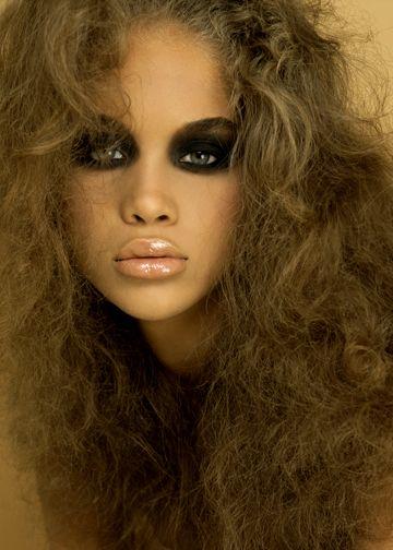 Jasmine Sanders Extreme Black Smokey Eyes With Nude Lip