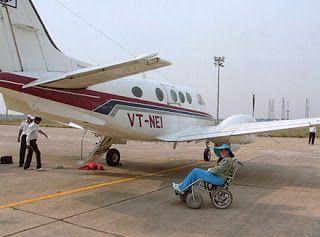 Hindi News India,Agra News,Agra Samachar: 'आगरा का इंटरनेशनल एयरपोर्ट : खुला खेल फर्रखाबादी'...