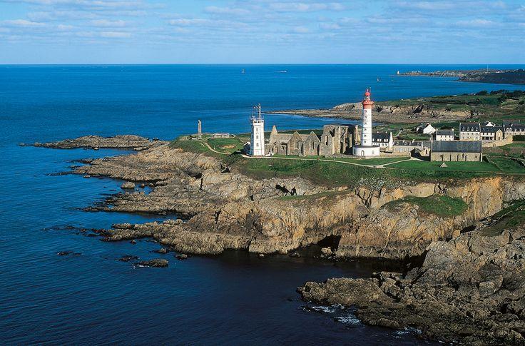 Pointe Saint-Mathieu, la majestueuse... | Finistère Bretagne #myfinistere: