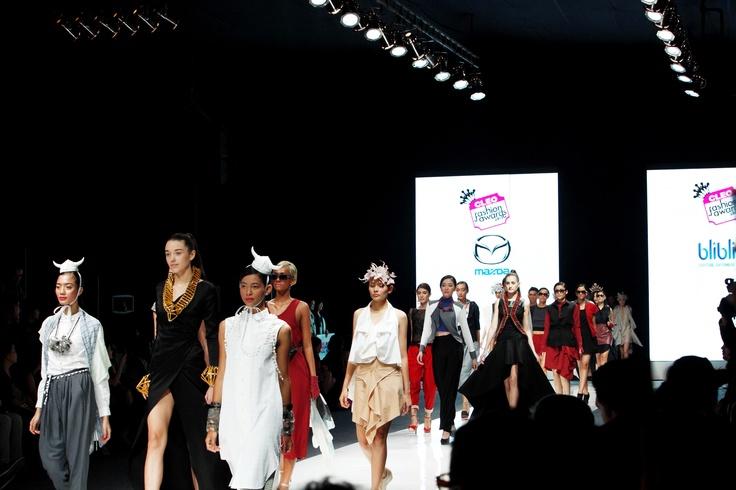 Last runway at CLEO Fashion Awards 2012