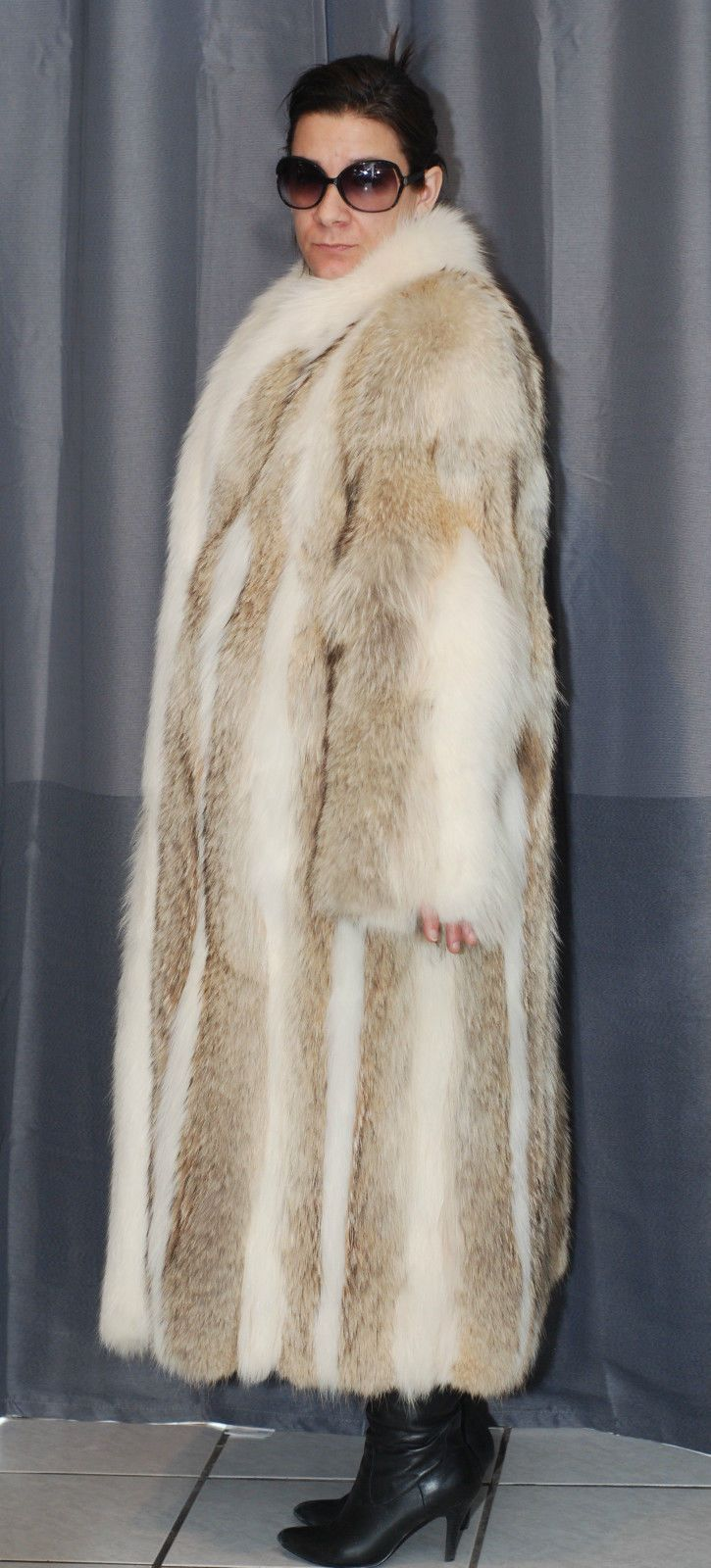 Gorgeous Wolf Coyote White Fox Fur Coat Size L Xl Like New