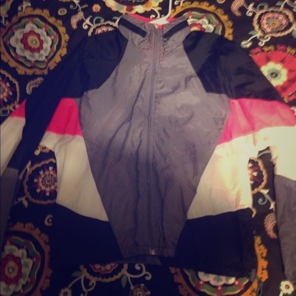 Vintage Nike windbreaker Great condition vintage Nike windbreaker!   Perfect if you are looking to stand out this spring! Nike Jackets & Coats