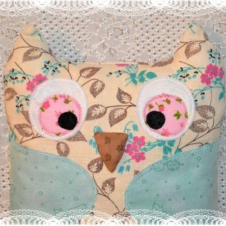 """Представляем участников проекта Abbigli.com, мастерскую игрушек с необыкновенным названием """"Плюшевый пряник"""". Но одним названием фантазия ребят не ограничивается.   Необычные, ни на что не похожие игрушки, сделанные вручную и с душой, станут отличным подарком близким. С витриной мастерской можно ознакомиться по ссылке http://abbigli.ru/profile/813/  Платформа Abbigli.com приглашает талантливых и творческих на наш сайт."""