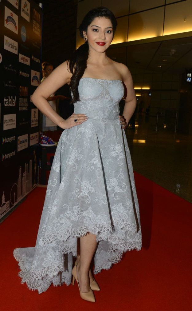 Mehreen Pirzada   Here Is What Celebrities Wore To The 2016 SIIMA Awards
