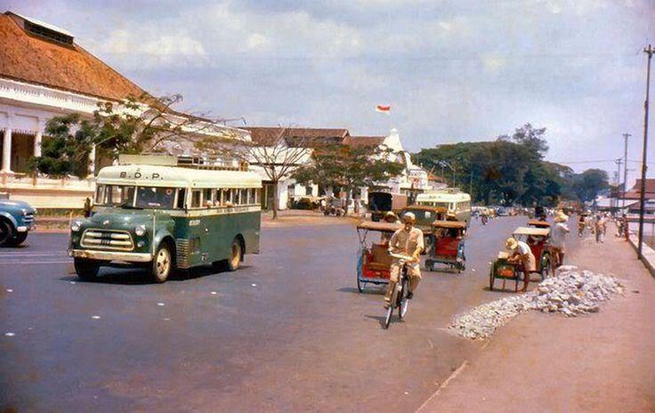 gedung kesenian 1958 di pasar baru