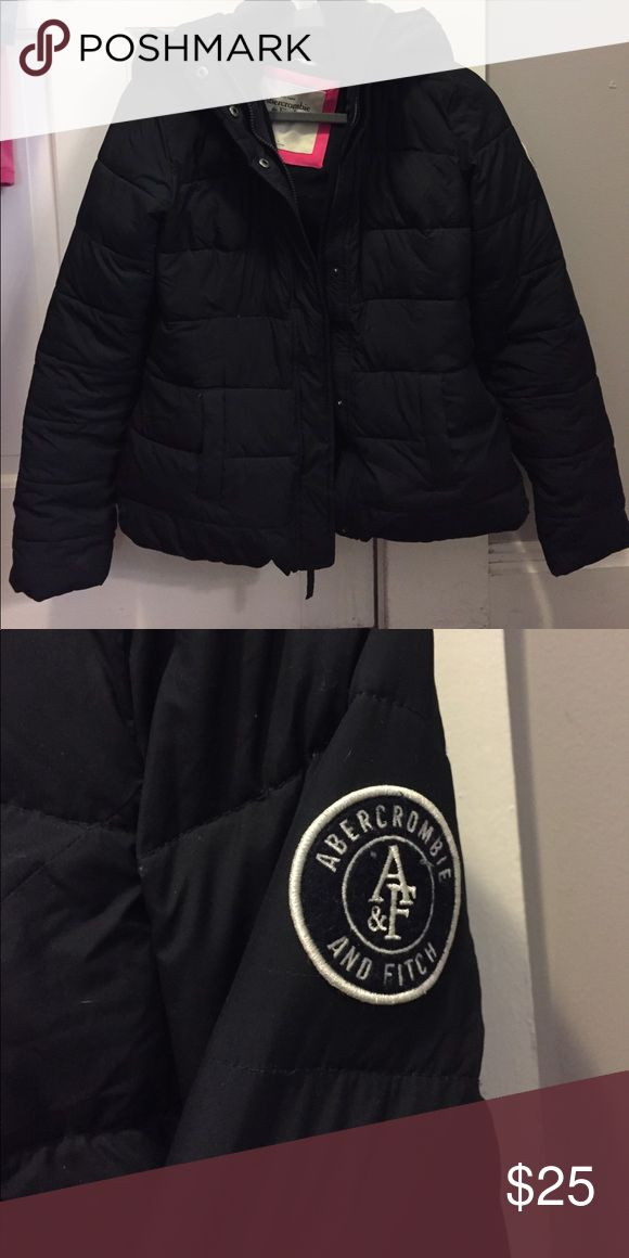 puffer jacket - abercrombie & fitch! really warm puffer jacket ! has some slight wear on the inside, but you'd never know from the outside! dark navy color Abercrombie & Fitch Jackets & Coats Puffers
