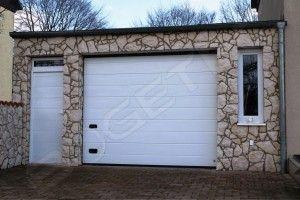 Sektionaltor mit seitlicher Tür - Wenn es um Doppelgaragen oder Mehrfachgaragen geht, sind diese Tore die ideale Lösung.