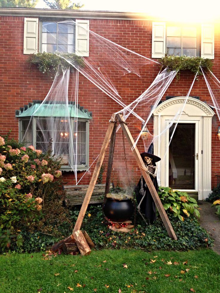 Halloween yard decorations halloween pinterest for Pinterest halloween outdoor decorations