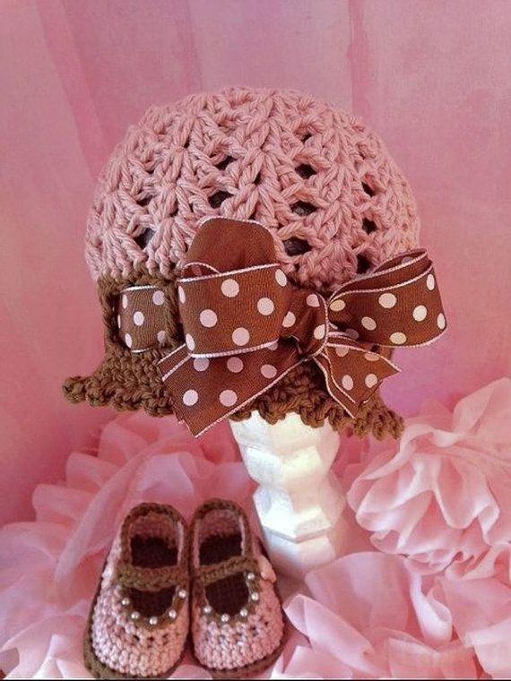 Baby Girl Crochet Booties Crochet booties by TippyToesBabyDesigns