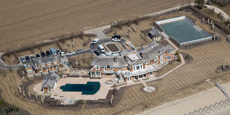 PHOTOS: David Tepper's Gigantic Hamptons Mansion Looks Like It Will Be Finished By Summer