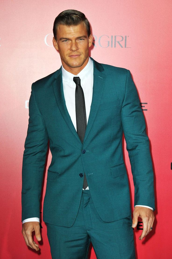 Alan Ritchson at The Hunger Games: Catching Fire premiere.