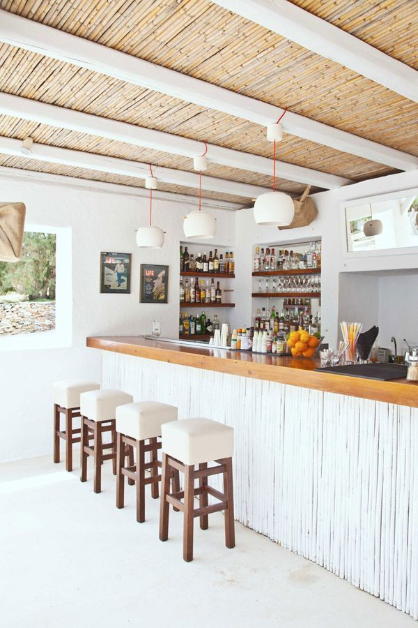 THE TRAVEL FILES: BEACH HOUSE ON ANTI PAROS, GREECE