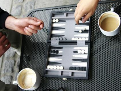 Backgammon τουρνουά στο Members Club Πανιωνίου   NStv