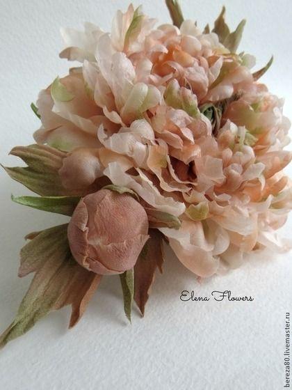 """Пион """"Осенний вальс"""" Брошь. Цветы из шелка. Праздничное украшение. - пион"""