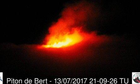 La Reunion: Éruption du volcan  pour le 14 juillet - Created by Eline Ulysse - In category: bassin-indien-Appli, Fil-info-appli, Planète - Tagged with: activité éruptive, La Réunion, observatoire vulcanologique, piton de la fournaise, préfecture de la réu