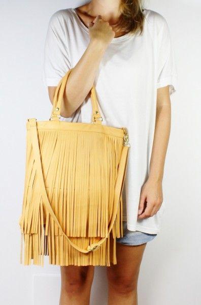 wspaniały model torby, najlepiej w kolorze czarnym ze skóry czarna kobra <3