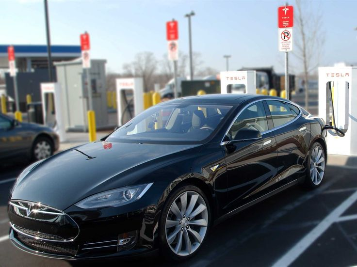 Access to Tesla's Supercharger network is one of the biggest perks to owning a Model S. According to the Journal, Tesla owners at the Supercharger station in San Juan Capistrano, CA have reported heavy congestion and long wait times.