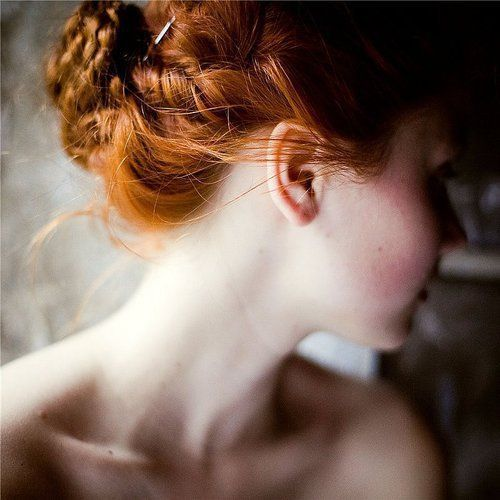 When it comes to redheads, who are known to have sensitive skin, Joanna Czech breaks down the carnal rules for perfect redhead skin: