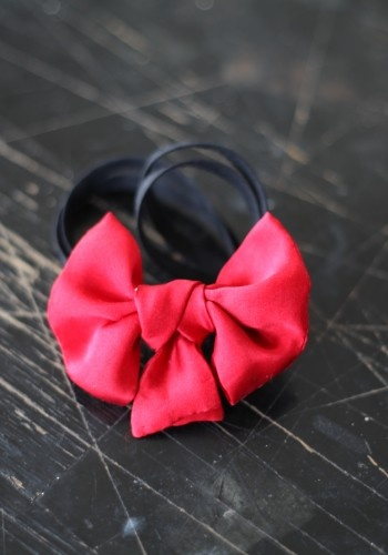A GOOD MASTER DOES NOT QUARREL WITH HER BODY  #fashion #photography #sewing #look #accessories #ribbon #bow tie