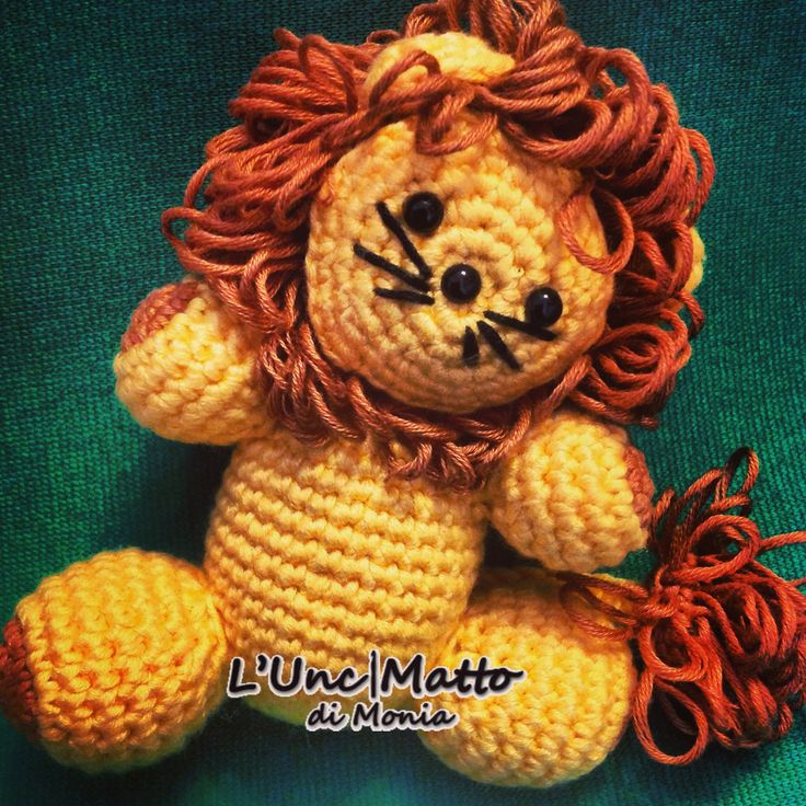 #Leo #the #king #lion #amigurumi #crochet #UnciMatto #toy #animal #handmade #handcrafted #handmadeinitaly Pattern by Maz Kwok