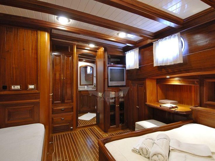 ECCE NAVIGO   CNL Yacht