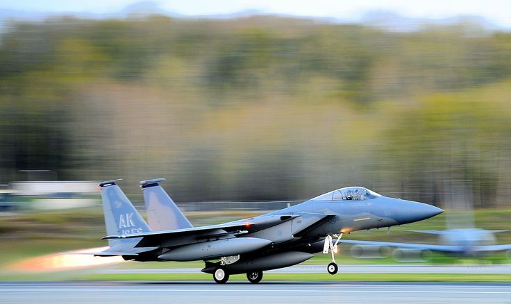 In The News Today: Hugh Jackman Flies In F-16, Tornado Warnings Up, Schools Closed And More - http://www.morningnewsusa.com/news-today-hugh-jackman-flies-f-16-tornado-warnings-schools-closed-2359956.html
