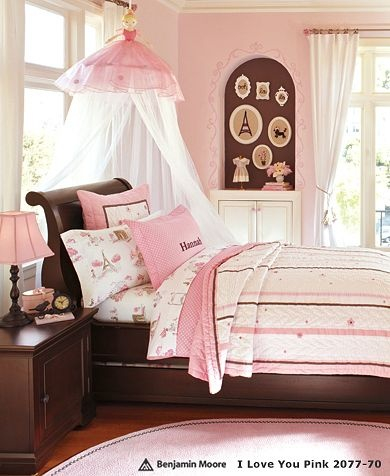 I love the look of the chocolate & pink together in this darling little girls room.  Hannah Ribbon Quilted Bedding @ PBK.