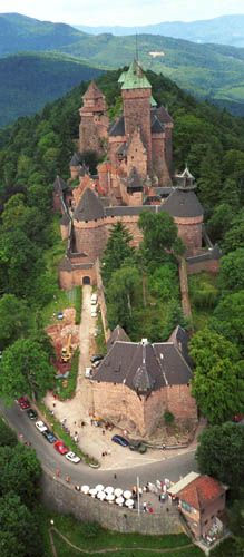 .Castillo de Haut-Koeningsbourd, Alsace, Francia
