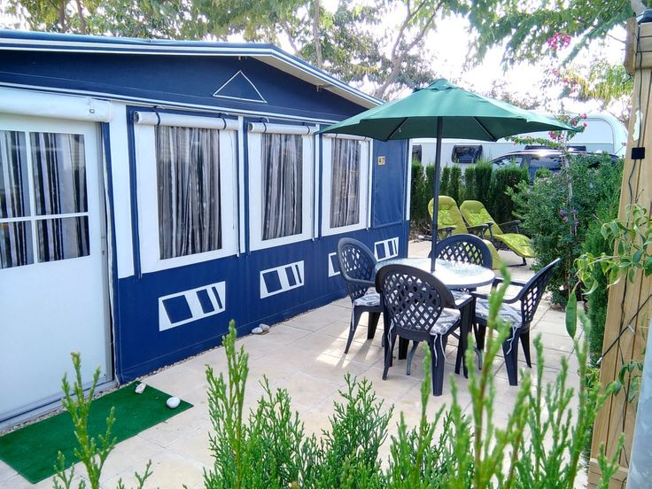 6 Berth Caravan For Rent In Benidorm On Camping Almafra 5 star Caravan Park.  This Caravan is a large and luxurious Hobby Caravan with spacious permanently fixed Levooz Awning. The Caravan is sited...
