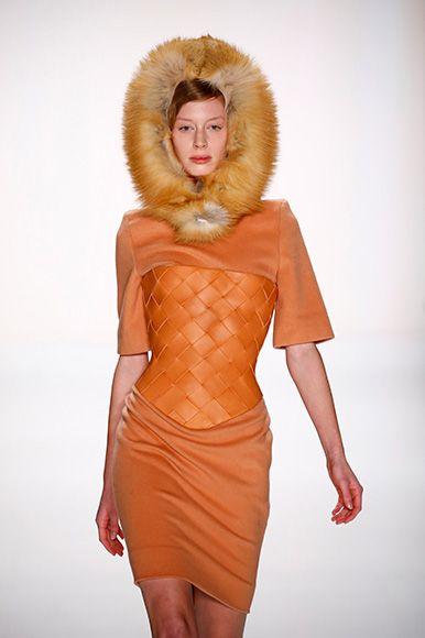 Marina Hoermanseder FW15/16 Berlin Fashion  http://www.fashiondays.ro/the-daily-issue/berlin-fashion-week/