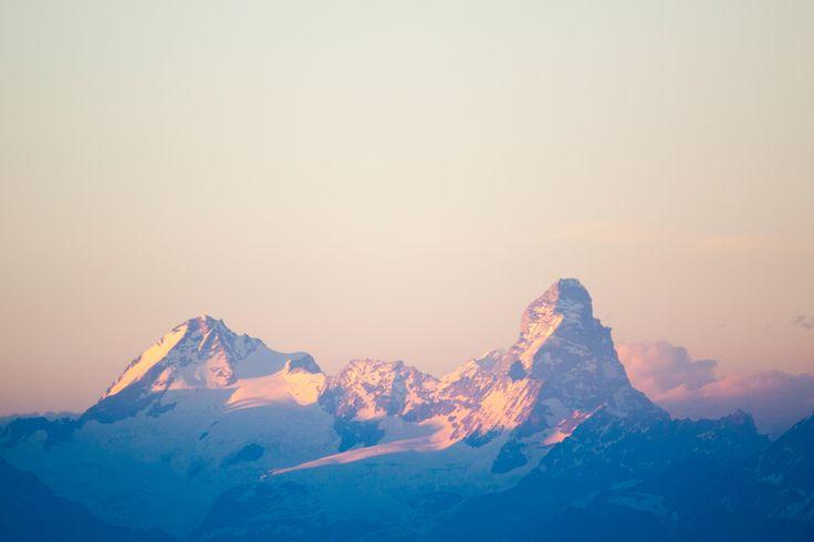 Arrivare alla cima è l'emozione con la E maiuscola #cima #rifugiodegliangeli #OMG #valgrisenche #montagna #escursione #tramonto