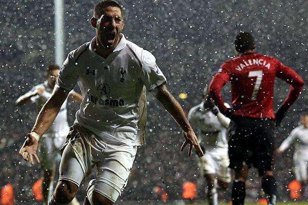 Clint Dempsey fue el autor del gol del empate al minuto 92. Arrrebatan triunfo y congelan a los 'Red Devils'.