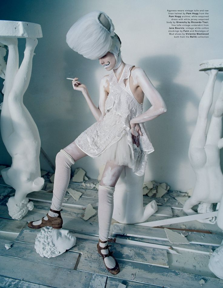 Love Magazine S/S 2015 | Agyness Deyn por Tim Walker [Editorial]