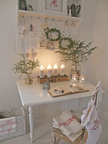 divine little Christmas trees - white office