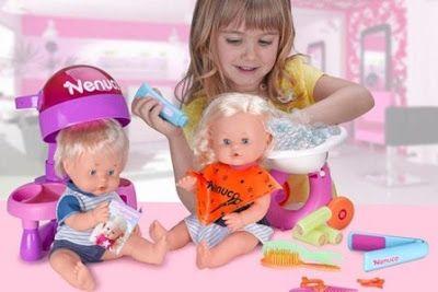 El sexo de los juguetes. La polémica por el sexismo de los catálogos de juguetería infantil inunda las redes sociales un año más pero, ¿hay diferencias sexuales más allá de los estereotipos sociales? Rubén Olveira Araujo | Noticias de Gipuzkoa, 2018-01-05 http://www.noticiasdegipuzkoa.com/2018/01/05/sociedad/el-sexo-de-los-juguetes