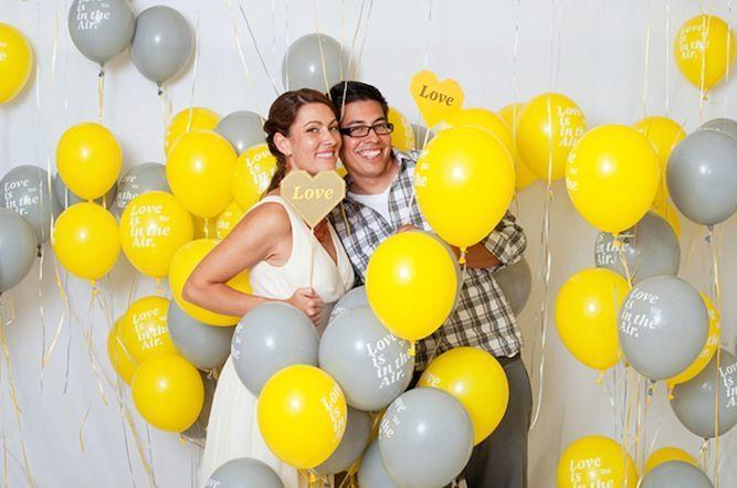 balloon room - brilliant photo booth idea for a wedding!