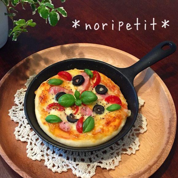 焼くまで5分♡捏ねずにレンジ発酵de簡単♡うまーいピザ♡