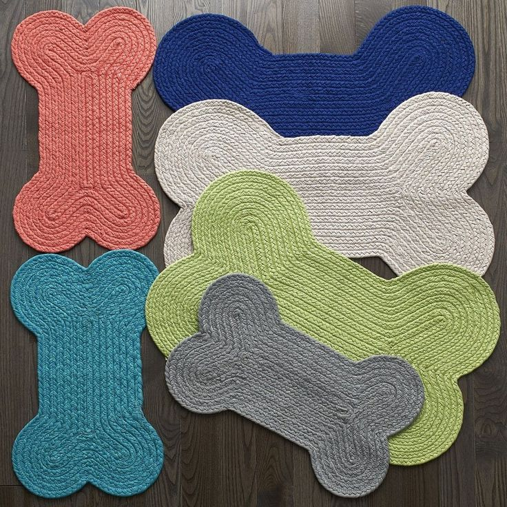 Dog Bone Pet Rug: Dog Bone-Shaped Feeding Mat