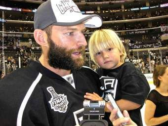 LA Kings Robyn Regher Remained A Team Guy Throughout The 2014 Stanley Cup Final