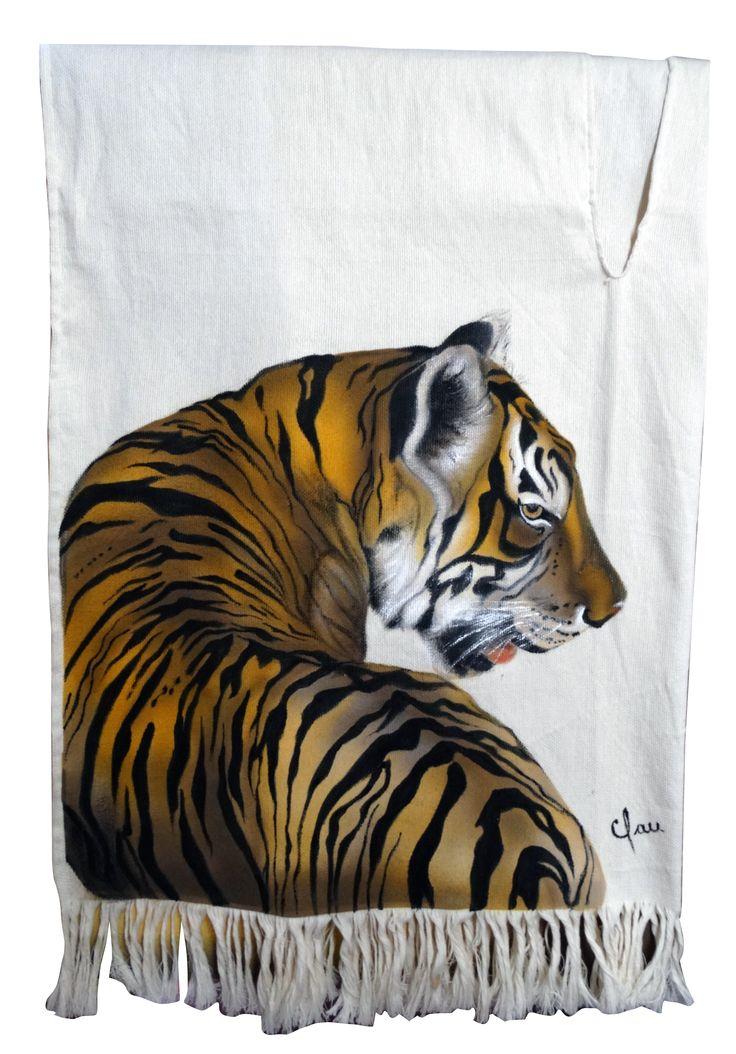 Poncho pintado a mano / painted by hand Tigre pintado