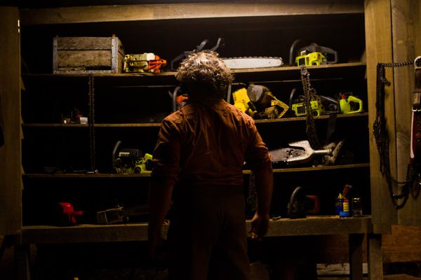 Film News: New Texas Chainsaw 3D Image Shows off the Family Chainsaws